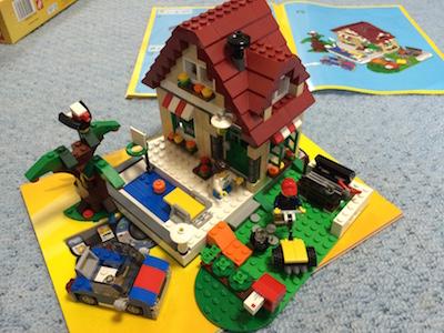 LEGOブロック季節のコテージ